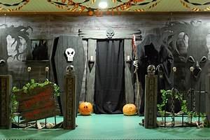 haunted house entrance a good website on DIY Halloween ...