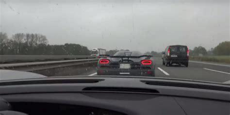 porsche  spyder chases koenigsegg agera   autobahn