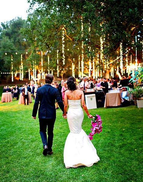 17 de light ful ways to use lights as wedding decor brit