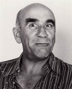 Warren Mitchell - Wikipedia