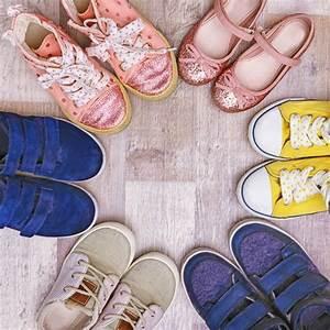 Schuhschrank Für Viele Schuhe : kinderschuhe wie viele schuhe braucht ein kind in welchem ~ Pilothousefishingboats.com Haus und Dekorationen