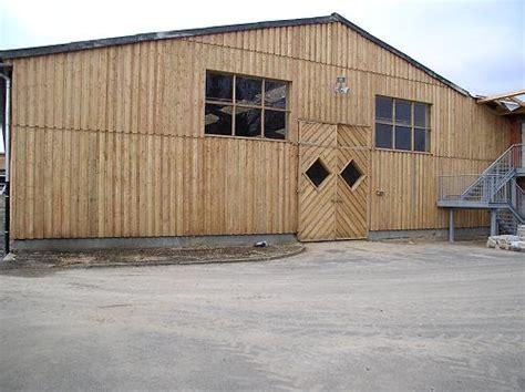 boden deckelschalung f 252 r ihre fassade aus l 228 rchenholz karl obert s 228 gewerk gmbh