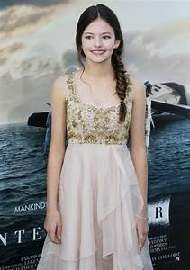 Mackenzie Foy Picture 11 - Premiere of Paramount Pictures ...