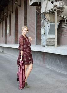 Kleid Mit Stiefeletten : outfit lederjacke metallic boho kleid stiefeletten mit fransen purpur khaki 4 lavie deboite ~ Frokenaadalensverden.com Haus und Dekorationen