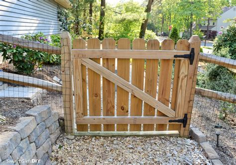 Fence - Gate : How To Build A Gate For Your Fence