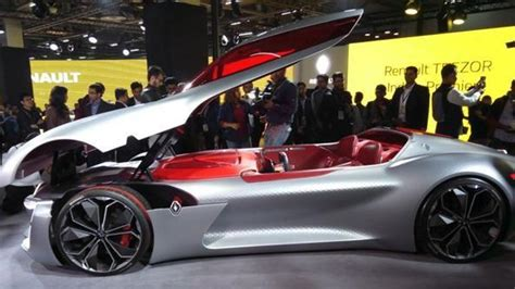 Electric Auto by Auto Expo 2018 Renault Showcases Electric Cars Zoe