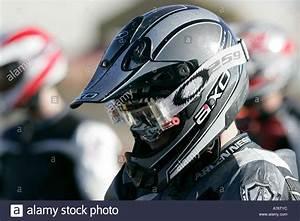 Motocross Helm Mit Visier : motocross fahrer im helm und visier in der ~ Jslefanu.com Haus und Dekorationen