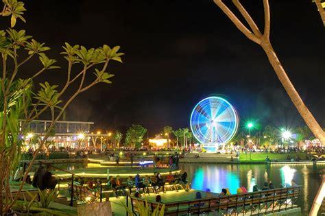 spot foto malam hari cantik  surabaya