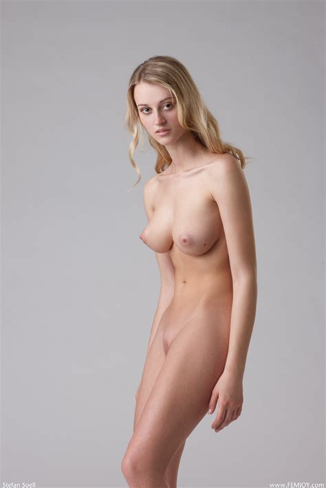 Gorgeous Nude Pics Page