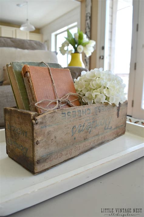 Decorating Ideas Using Books by How To Decorate With Vintage Decor Vintage Nest