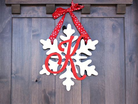 snowflake monogram wreath diy craftcutscom