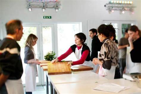 cours de cuisine namur qui connaît un bon cours de cuisine ou de pâtisserie sur toulouse c 39 est pour faire un cadeau