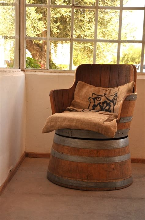 chaise tonneau best 25 the tourist ideas on tourist places