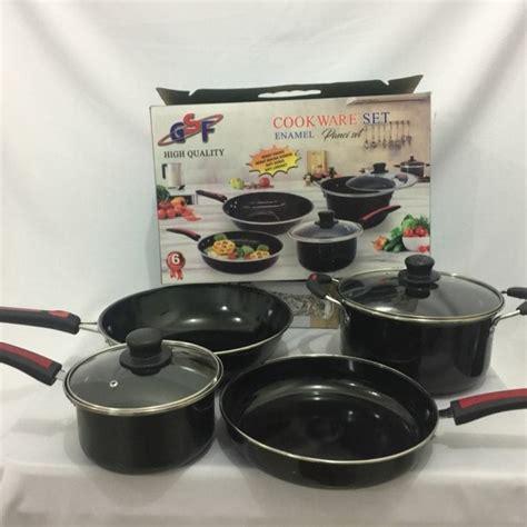 cookware images essential pots  pans