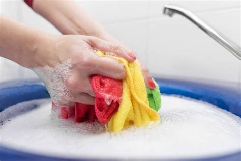 How Does Soap Clean Dirty Clothes? » Science Abc