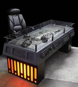 Star Wars Couchtisch : creepy furniture han solo in carbonite desk ~ Frokenaadalensverden.com Haus und Dekorationen
