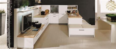deco salon et cuisine ouverte cuisine italienne design un espace agréable bien intégré