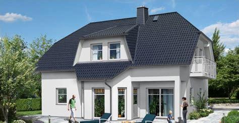 Modernes Haus Mit Erker Und Balkon