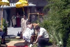 javanese mitoni ceremony