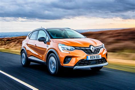 Renault Captur SUV review | Carbuyer
