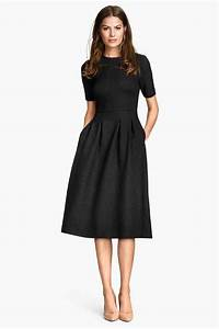les 25 meilleures idees de la categorie robe noire sur With comment egayer une robe noire pour un mariage