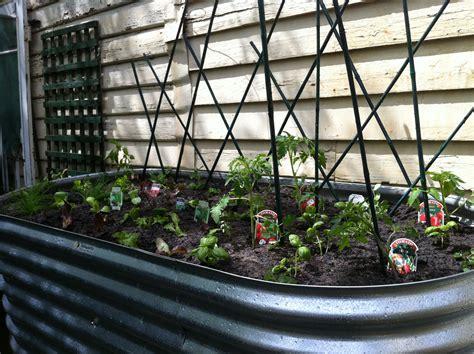 vegetable gardens  small spaces small spaces garden design