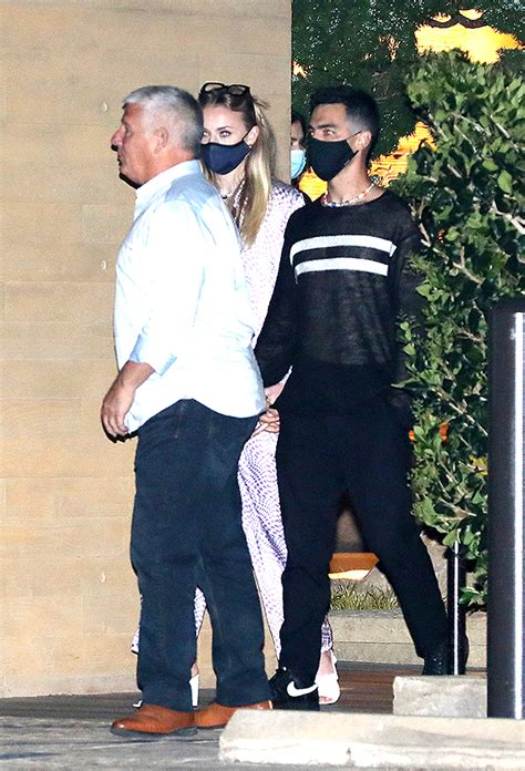 Joe Jonas & Sophie Turner Hold Hands On Rare Post-Baby ...