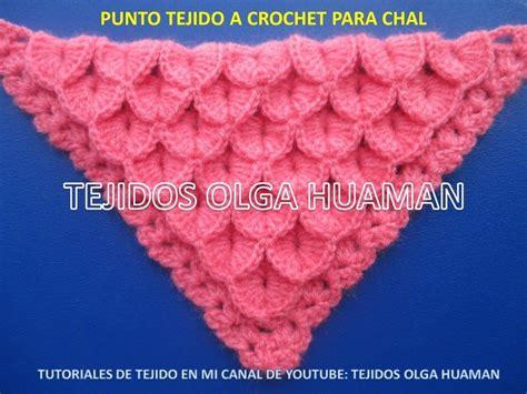 chal triangular tejido a crochet en punto cocodrilo o escamas 3 salovi crochet
