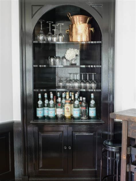 Bar Ideas For Small Spaces by 5 Small Space Friendly Home Bar Ideas Hgtv S Decorating