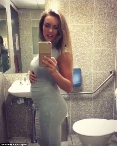 Hot Porn Fuck A Pregnant Woman Porn Pics And Movies