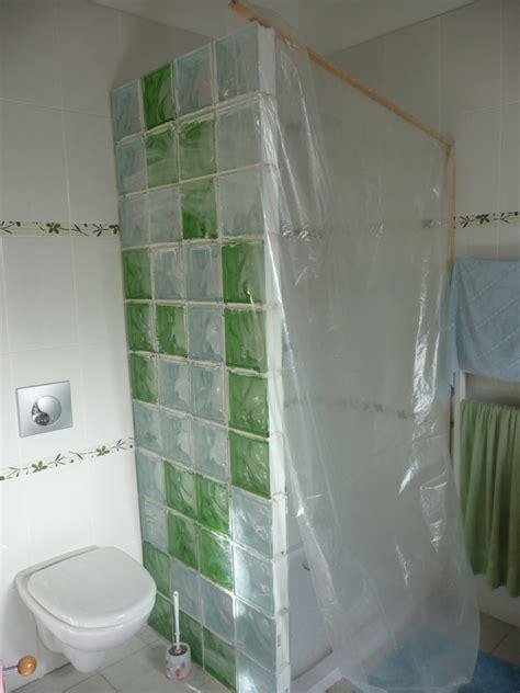 mur en verre pour salle de bain sedgu