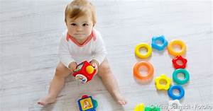 Ab Wann Kopfkissen Baby : in welchem alter babys sitzen lernen netdoktor ~ Markanthonyermac.com Haus und Dekorationen