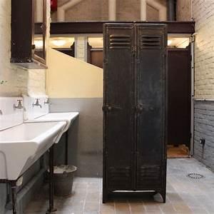 Mobilier Industriel Ancien : mobilier industriel ancien vestiaire d 39 usine 2 portes ~ Teatrodelosmanantiales.com Idées de Décoration