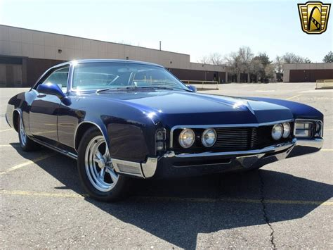 The Shine On This 1967 Buick Riviera Stock Will Almost