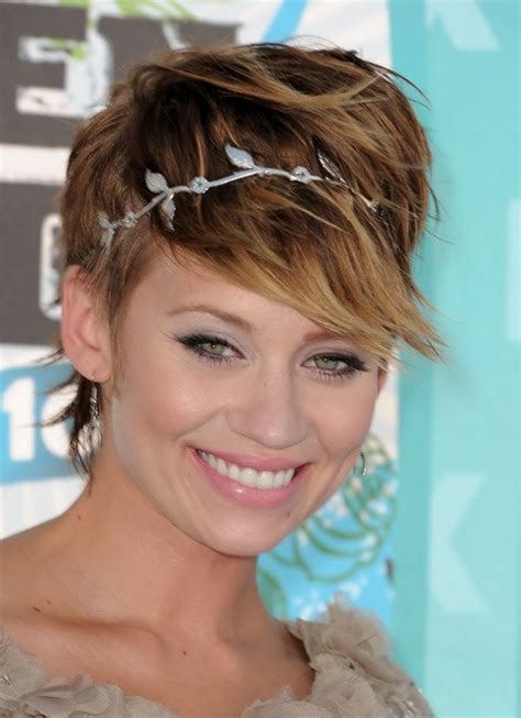 chic  simple party hairstyles pretty designs