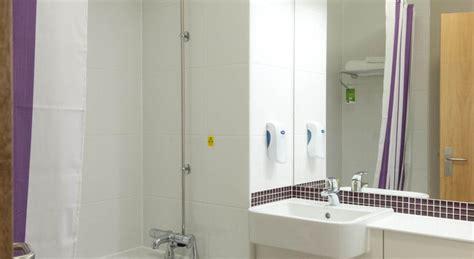 premier inn hotel hayes heathrow london tariff reviews
