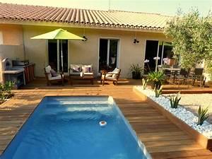 Piscine Avec Terrasse Bois : piscine avec terrasse en bois piscine coque mod le giens plug and swim ps45 g n ration piscine ~ Nature-et-papiers.com Idées de Décoration