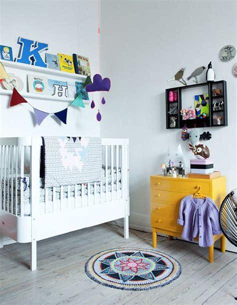 decoration pour chambre chambre de bébé 25 idées pour une fille décoration