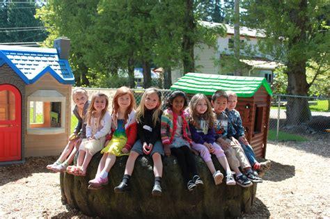 inglemoor cooperative preschool learn through play 319   kids on tire