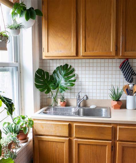 renover sa cuisine en bois rnover une cuisine en bois top relooker une cuisine en