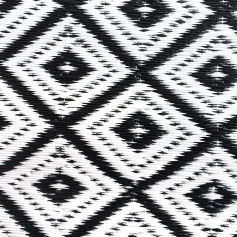 Outdoor Teppich Schwarz Weiß garten im quadrat outdoor teppich arabien schwarz wei 223