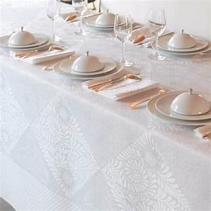 Nappe Jacquard Français : le jacquard francais bosphore blanc table linens ~ Teatrodelosmanantiales.com Idées de Décoration