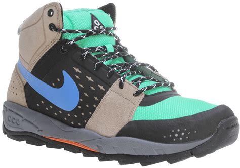 Nike Air Alder Mid Hiking Boots