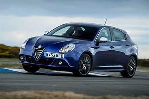 Alfa Romeo Giuletta : alfa romeo giulietta sportiva nav 2014 review auto express ~ Medecine-chirurgie-esthetiques.com Avis de Voitures