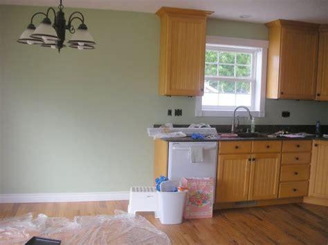 paint colors that go with oak cabinets paint color to go with oak cabinets colour pinterest