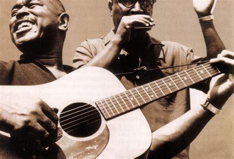 Sonny Terry & Brownie Mcghee El Autético Sonido Del Sur