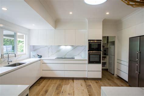 brookfield kitchen  makings  fine kitchens bathrooms