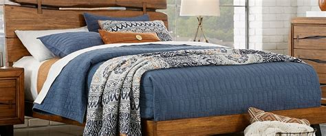 Duvet Vs Coverlet by Difference Between A Coverlet And Quilt