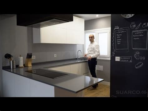 video de cocinas modernas blancas abiertas al salon