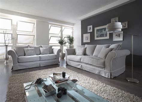 Romantisches Hussen Sofa Im Chesterfield Stil Jenversode